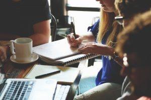 alavancar os negócios gastando menos em marketing